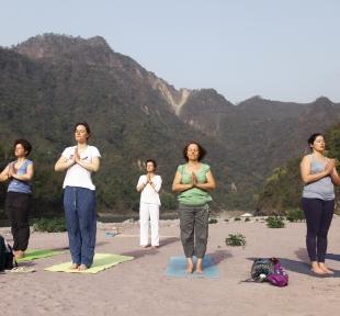 cours yoga maitri ganga nature montagnes himalaya