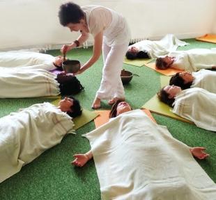 cours yoga vibration son mantra maitri