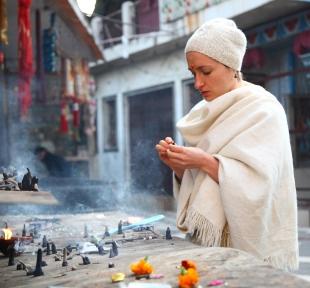 temple inde himalaya maitri yoga puja