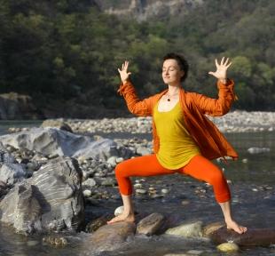 durgasana posture deesse namaste maitri yoga