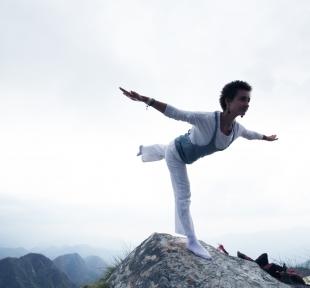 ekpadasana montagnes maitri yoga