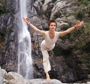 ekpadasana montagnes nature maitri yoga