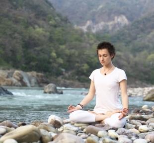 padmasana posture lotus meditation maitri yoga