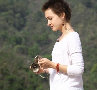 maitri kaimini cimbale yoga portrait